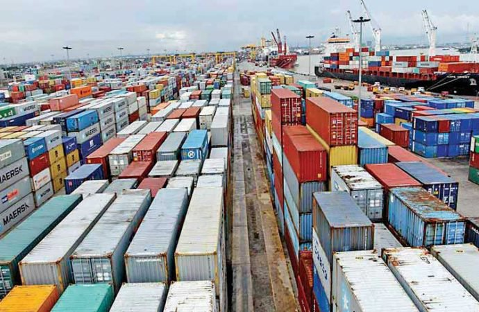 Govt mulls setting $41.5b export target for FY 2017-18