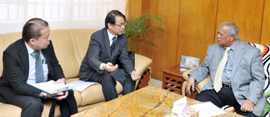 Industries Minister for more Japanese investment in automobile sector
